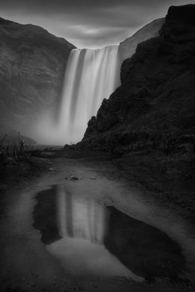 Hole - © Moises Levy