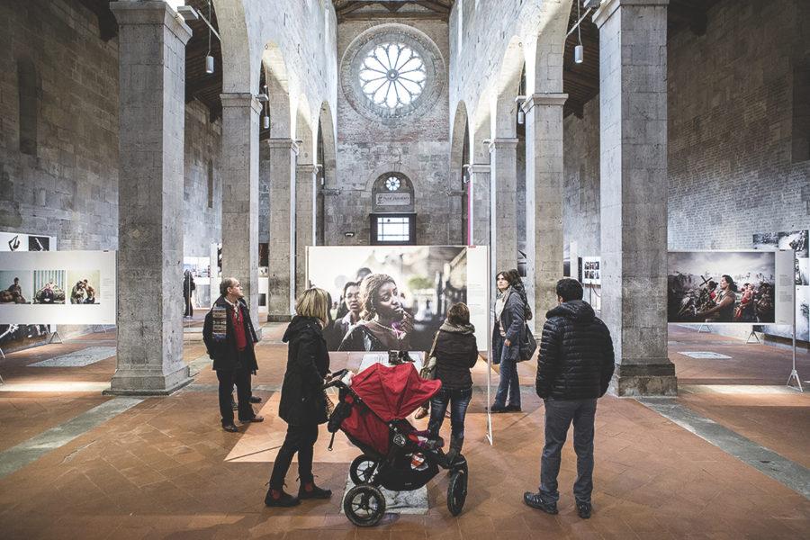 Immagina una chiesa bianca di Lucca