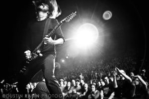 Dave Grohl - Foo Fighters © Dustin Rabin