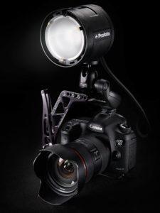 Profoto B2 - On-Camera con staffa Boomerang
