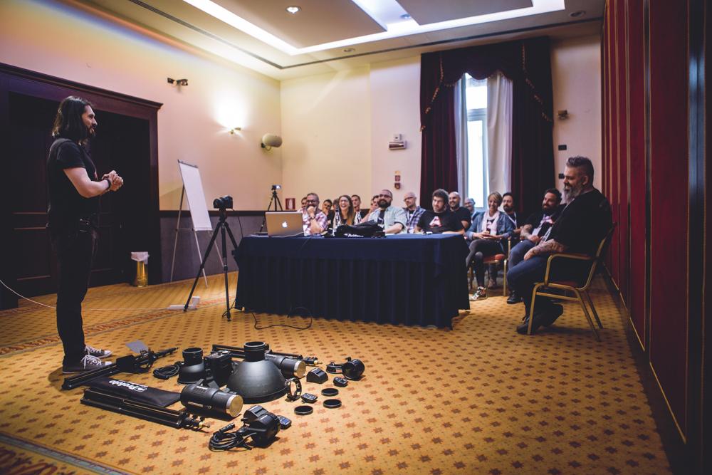 Preparazione del set per la lezione sull'assistenza digitale