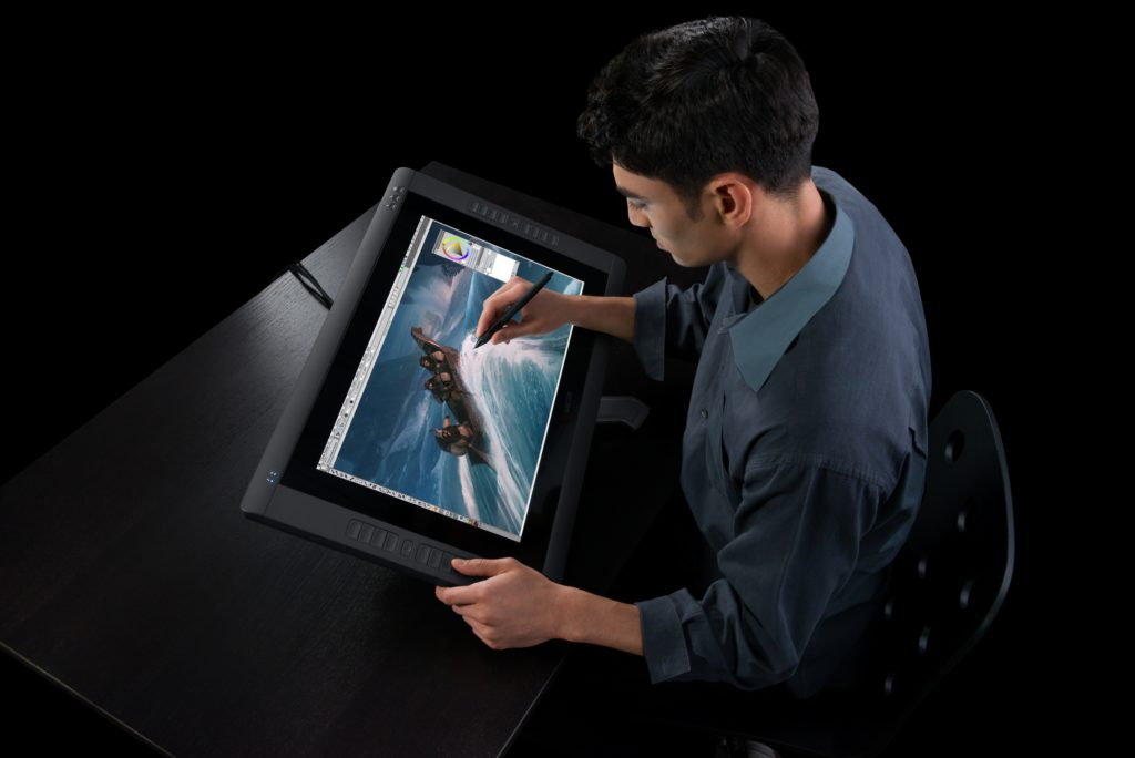 Una Cintiq per illustrare (photo: Darren Higgins)